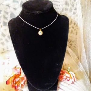 Choker necklace with vintage gold and crystal pend